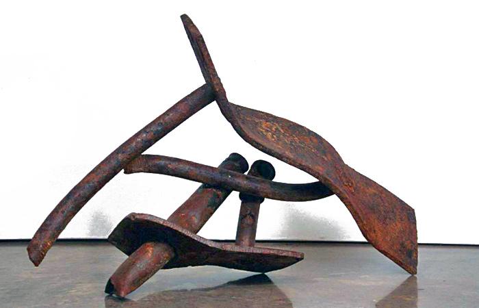 https://www.paulacastilloart.com/wp-content/uploads/1999/06/ambition-of-moons-castillo-sculpture.jpg
