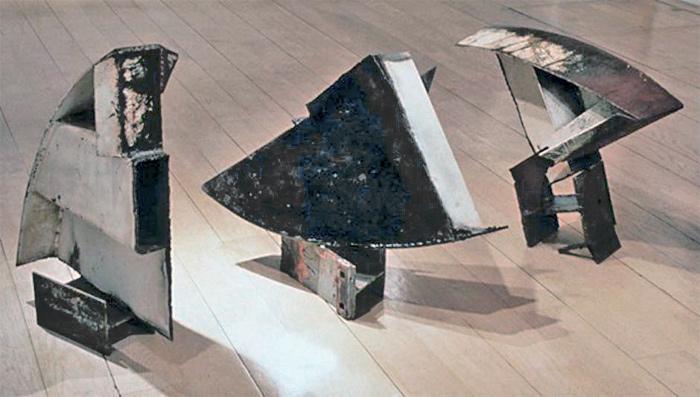 https://www.paulacastilloart.com/wp-content/uploads/1999/06/favor-of-the-moon-castillo-sculpture.jpg
